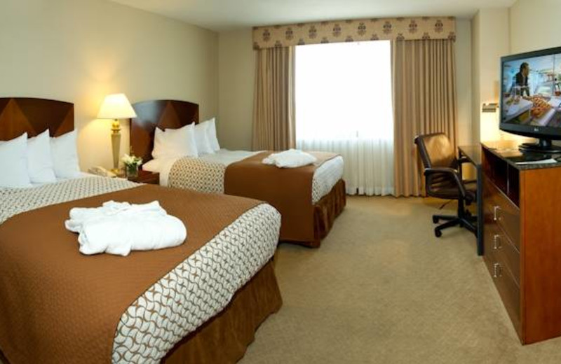 Guest room at Embassy Suites Detroit - Southfield.