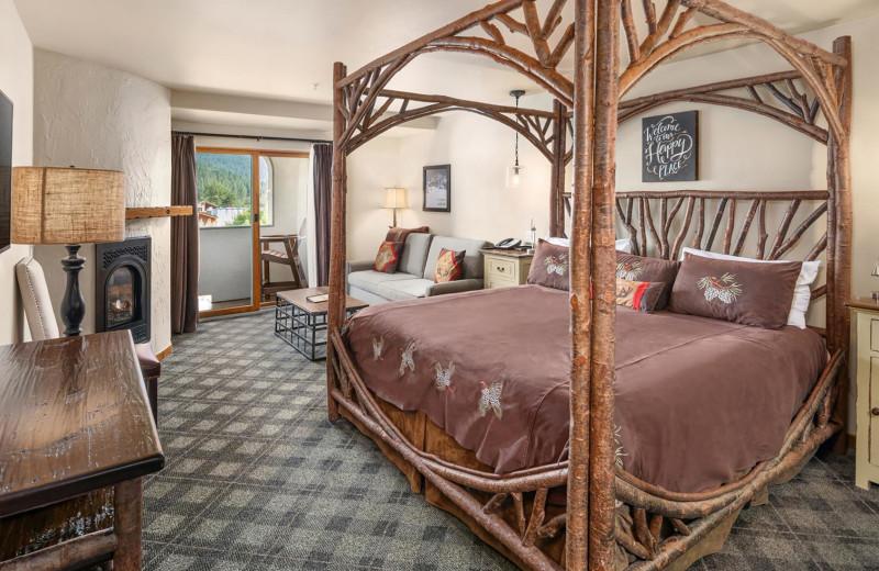 Guest room at Bavarian Lodge.