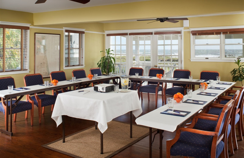 Meeting Room at Elizabeth Pointe Lodge