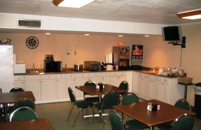 Breakfast room at Regency Inn and Suites.