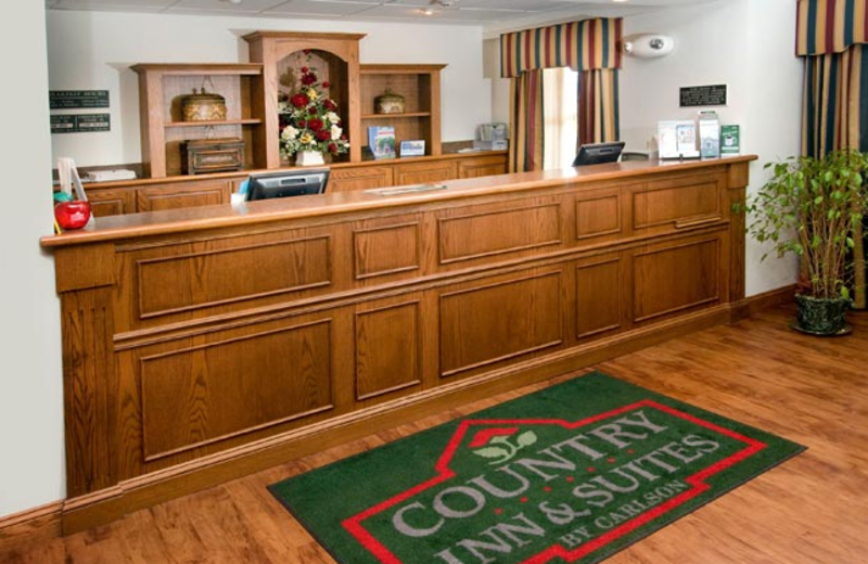 Front desk at Country Inn & Suites Chambersburg.