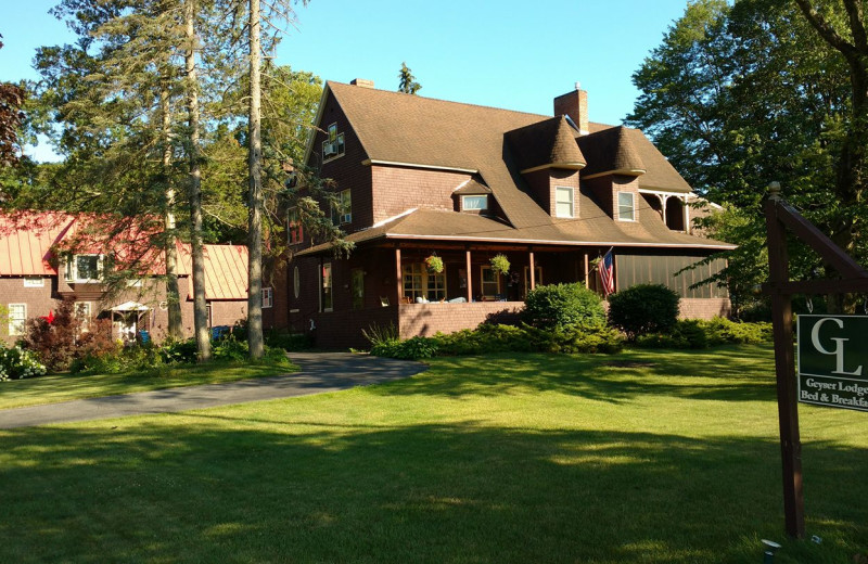 Exterior view of Geyser Lodge.