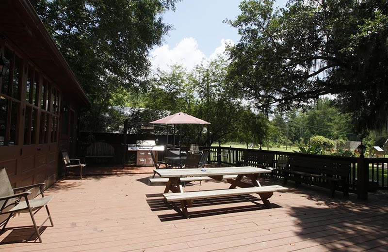 Patio at Berry Creek Cabins.