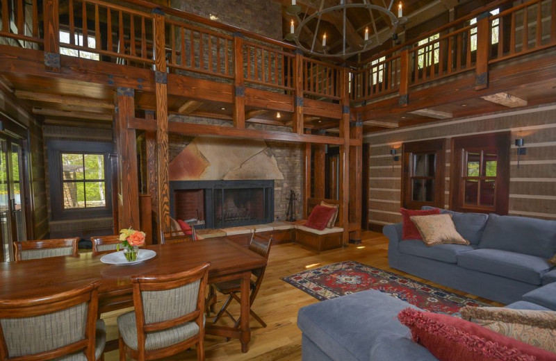 Rental living room at Taylor-Made Deep Creek Vacations.