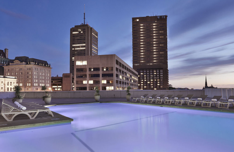 Outdoor pool at Hilton Quebec.