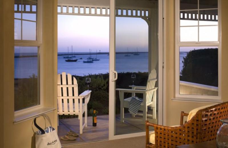Guest patio at Beach House Half Moon Bay.