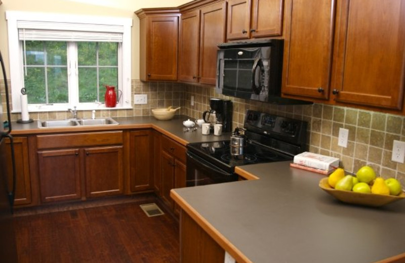 Lakeview cottage kitchen at Willough Vale Inn.