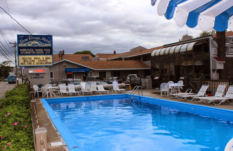 Outdoor pool at Beau Rivage Motel.