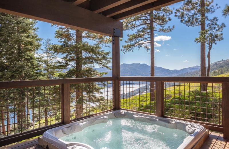 Rental hot tub at Tahoe Getaways.