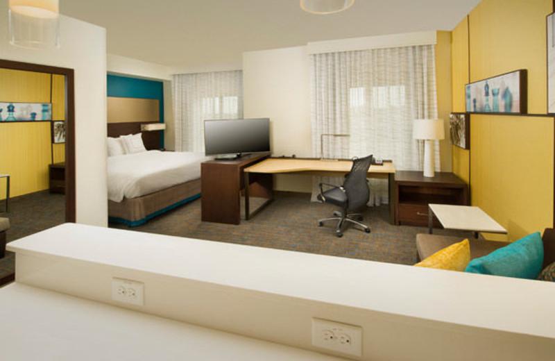 Guest room at Residence Inn by Marriott Tyler.