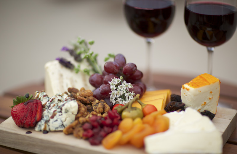 A fruit and cheese board amenity at Cheyenne Mountain Resort.