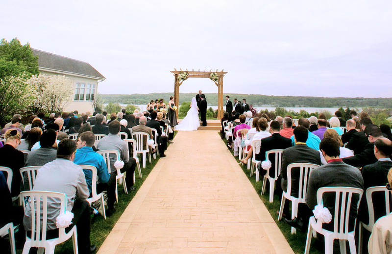 Outdoor Weddings at Inns of Geneva National