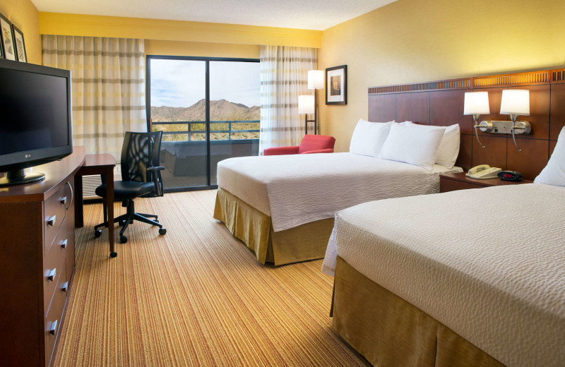 Guest room at Courtyard by Marriott Scottsdale at Mayo Clinic.