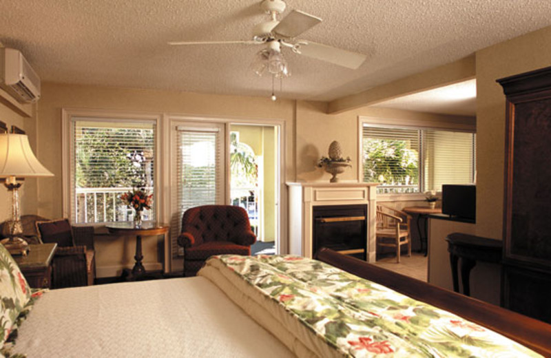 Guest suite at The Beachview Club.