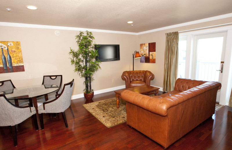 Guest living and dining room at Oasis Suites.
