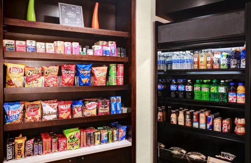 Snacks at Hyatt Place Chicago/Itasca.