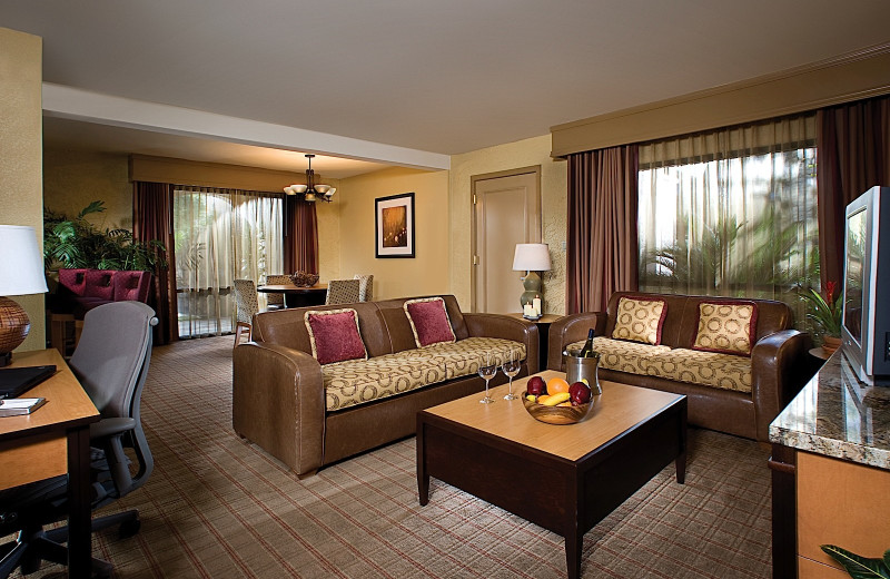 Guest room at Pointe Hilton Squaw Peak Resort.