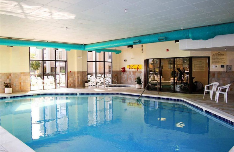 Indoor pool at Hampton Inn Ann Arbor-South.