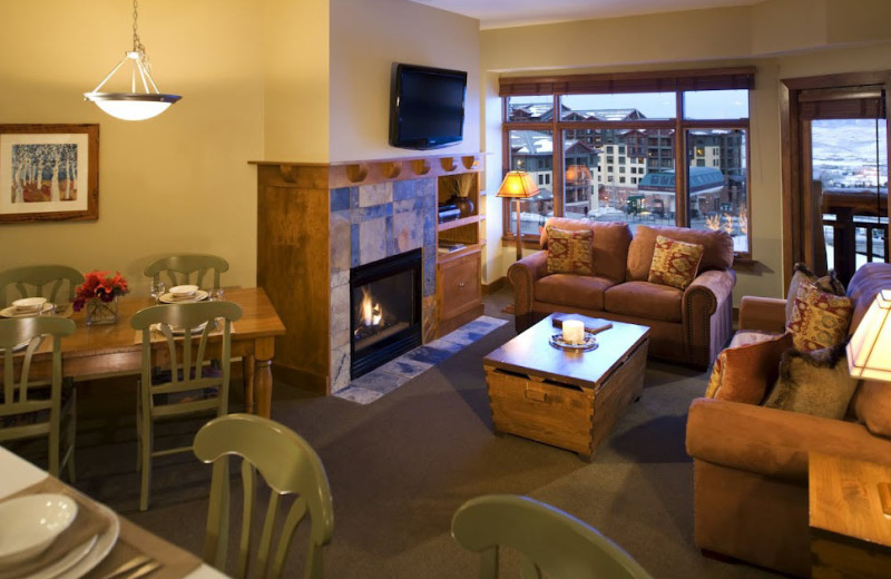 Guest suite at Sundial Lodge.