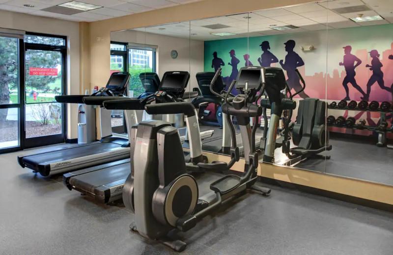 Fitness room at Hyatt Place Chicago/Itasca.