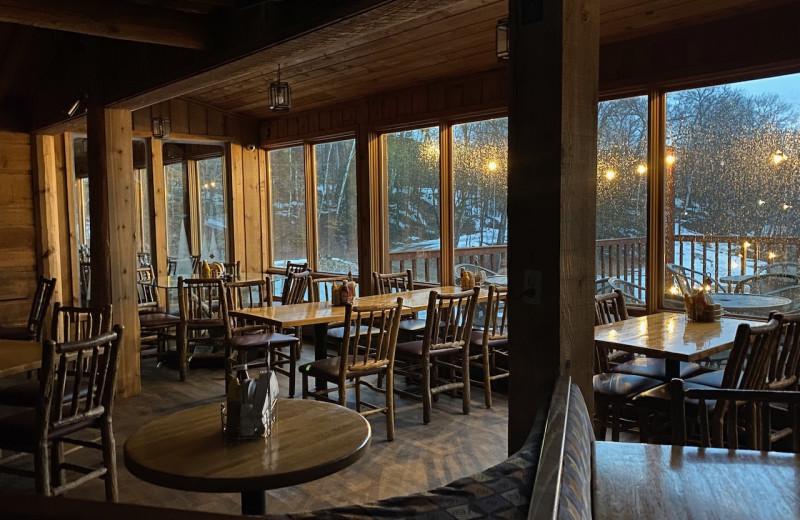 Dining at Lakewoods Resort.