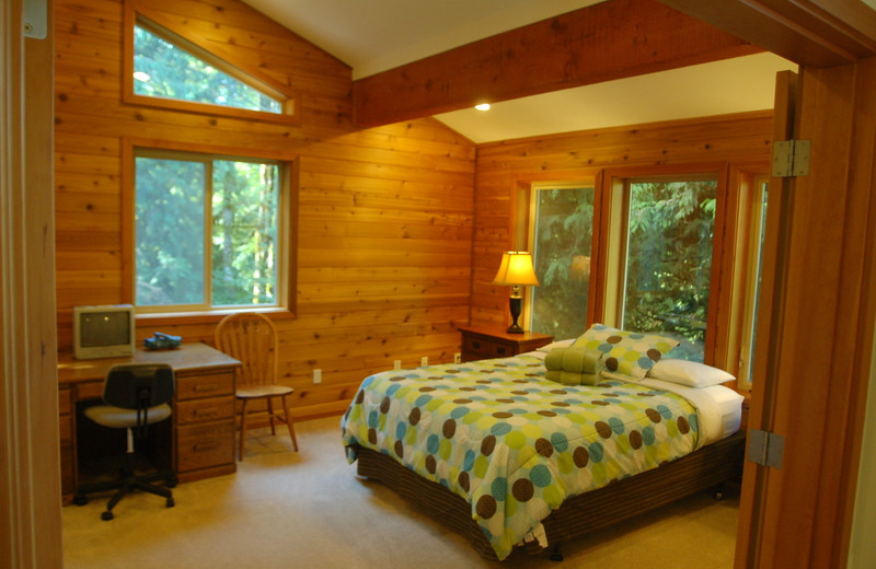Cabin bedroom at Mt. Baker Lodging.