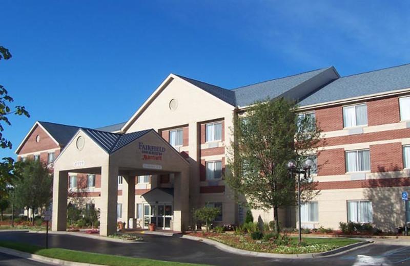Exterior view of Fairfield Inn & Suites Detroit Farmington Hills.