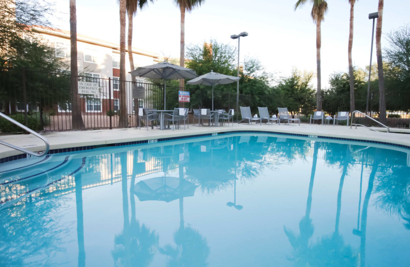 Outdoor pool at SpringHill Suites Phoenix Chandler/Fashion Center.