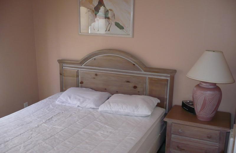 Cabin bedroom at American RV Park.