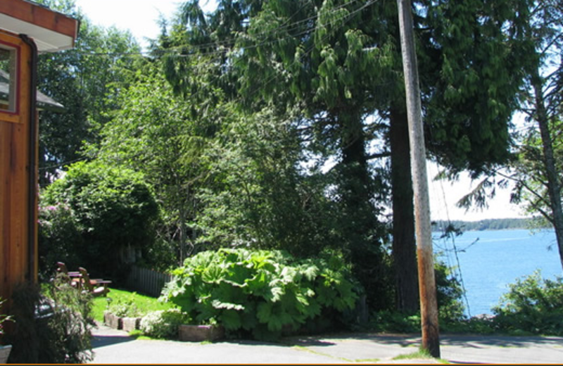 Exterior view of Duffin Cove Resort.