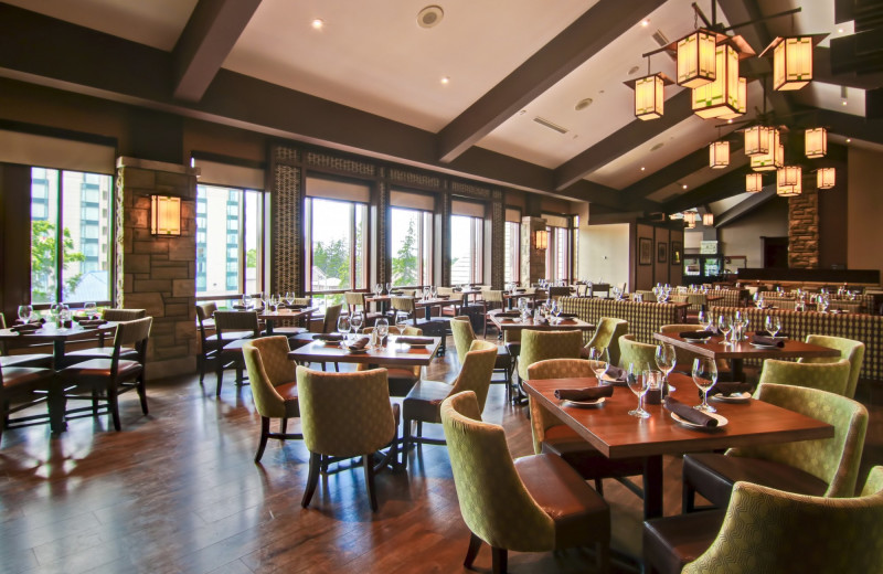 Dining at DoubleTree Fallsview Resort
