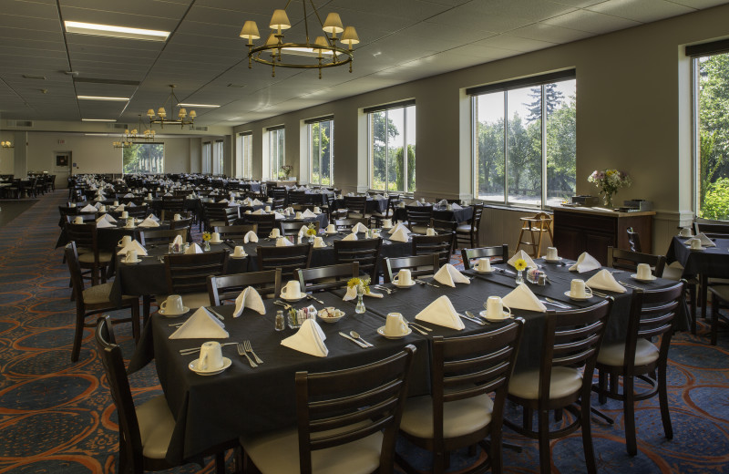 Lake Junaluska Conference and Retreat Center offers two dining rooms and a dining hall in addition to catering services for events.