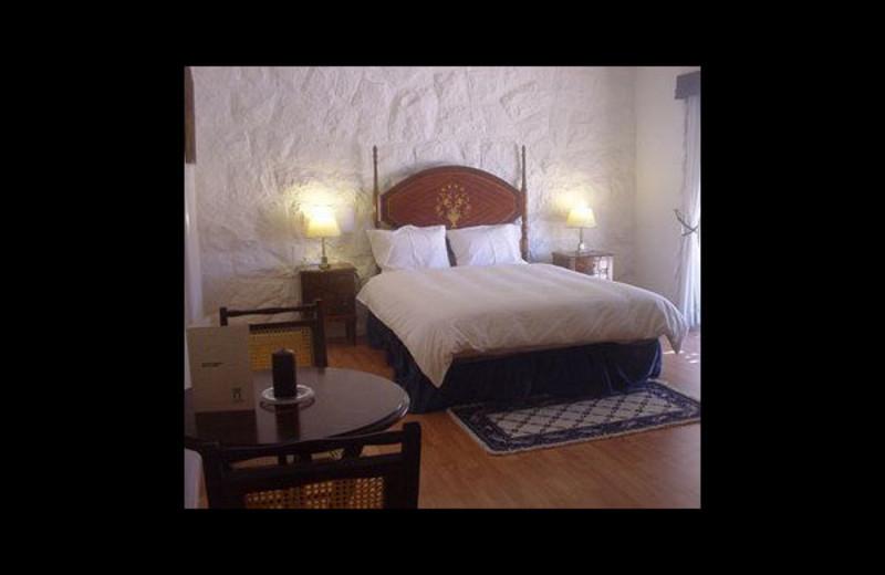 Guest room at Casal Antigo.