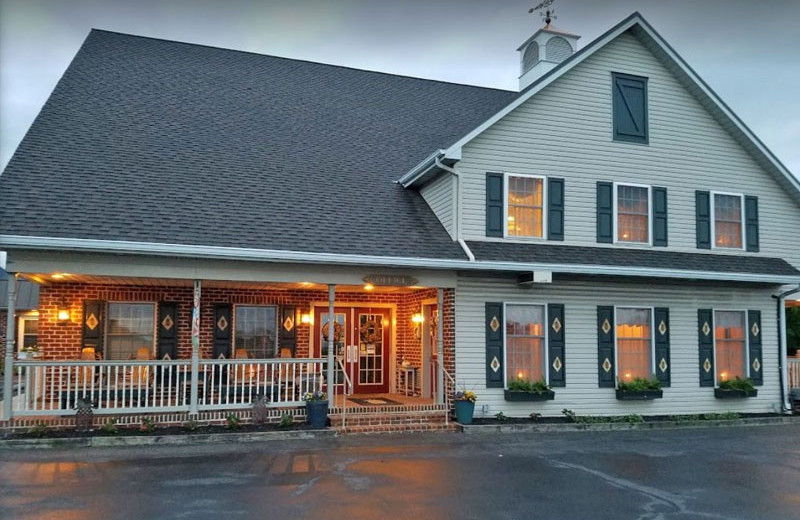 Exterior view of Country Living Inn.