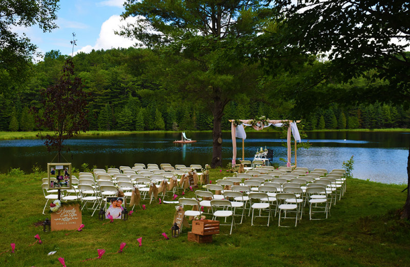 Weddings are extra special at Footprints, with plenty of room to spread out.
