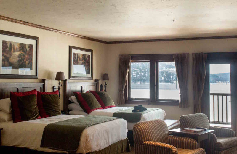 Guest bedroom at The Lodge at Whitefish Lake.