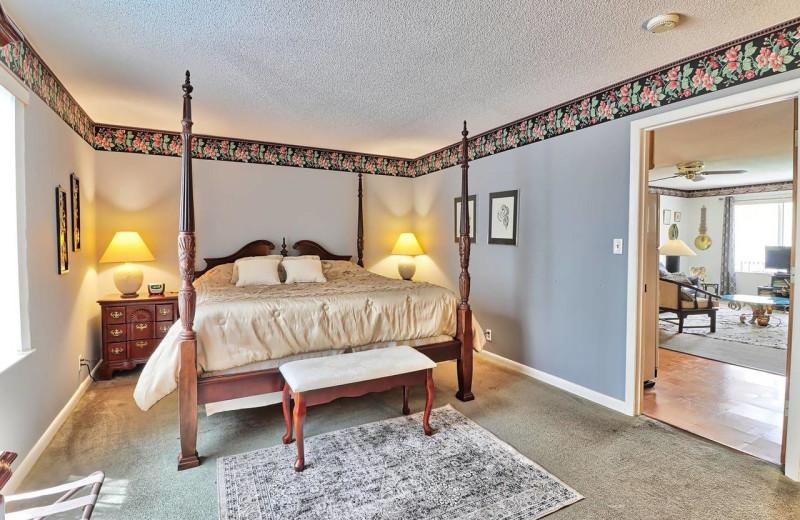 Guest room at Serendipity Inn.