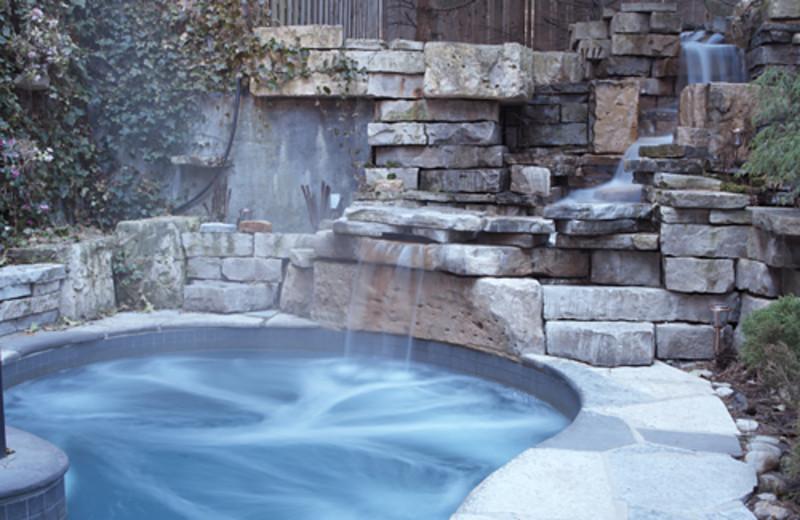 Outdoor hot tub at Pillar and Post.