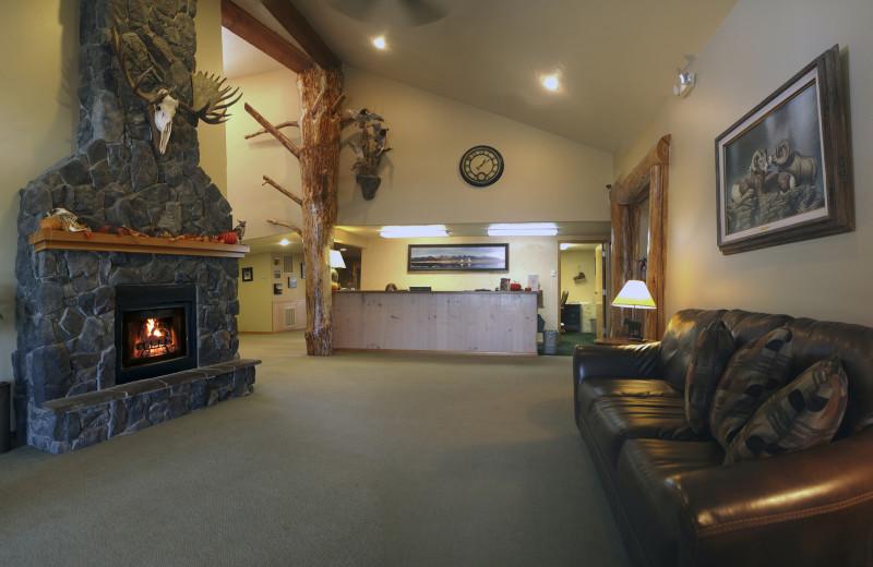 Lobby at Ninepipes Lodge.