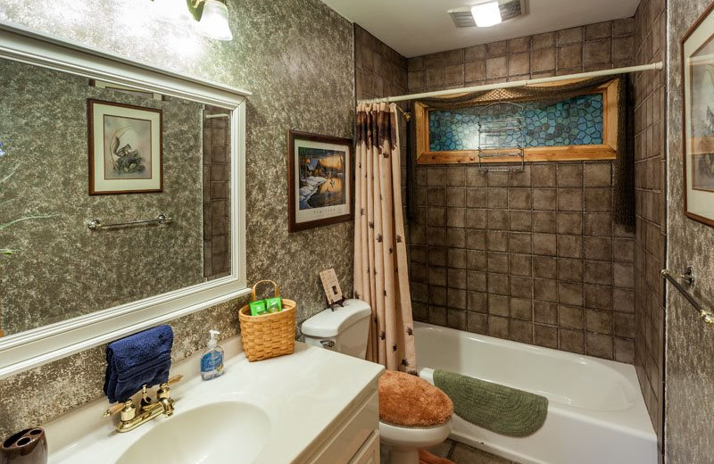 Cabin bathroom at Mountain Oasis Cabin Rentals.
