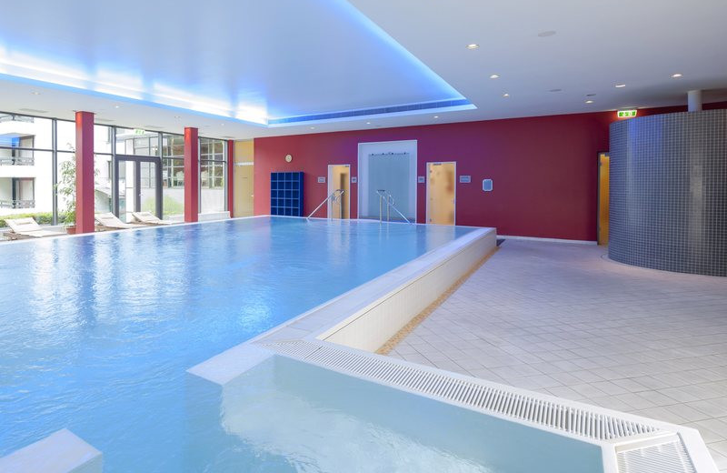 Indoor pool at Dorint Hotel Arnsberg-Neheim.
