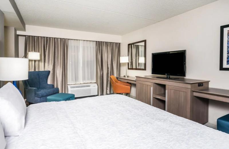 Guest room at Hampton Inn Clifton Park.