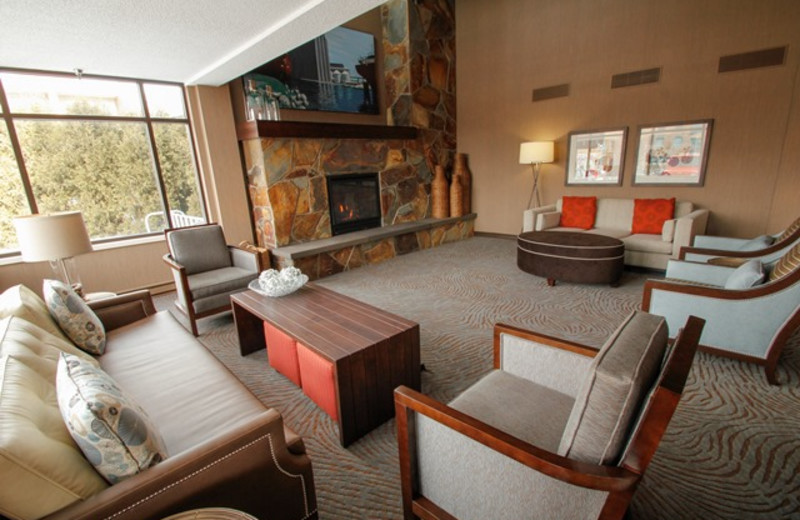 The inn on lake superior duluth mn resort reviews for Duluth mn resorts e cabine