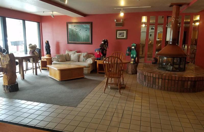 Lobby at Bear Mountain Inn & Suites.