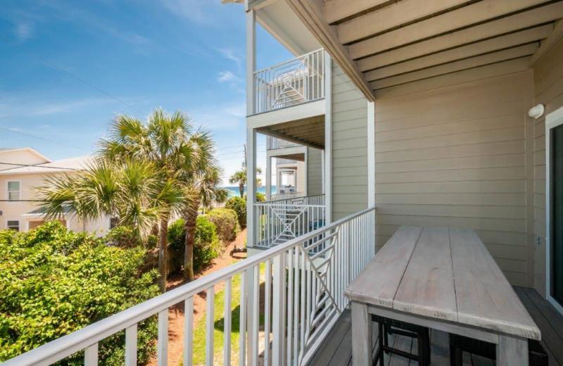 Rental balcony at Destin Getaways.