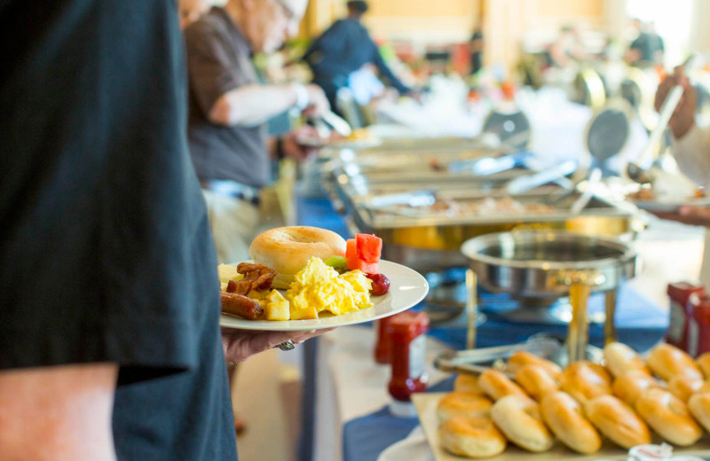 Dining at Honor's Haven Retreat & Conference