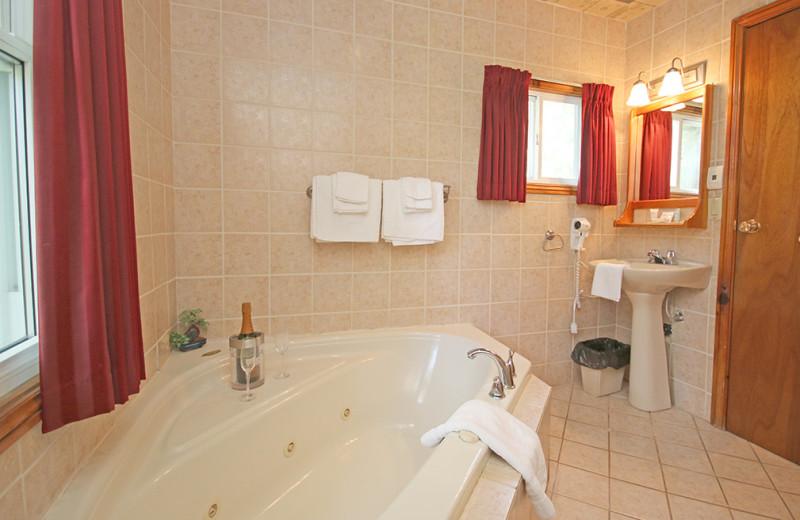 Guest bathroom at Elmhirst's Resort.