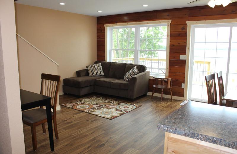 Cabin living room at Bonnie Beach Resort.