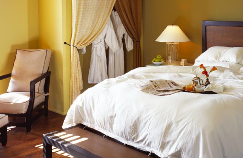 Guest room interior at Hotel Healdsburg.