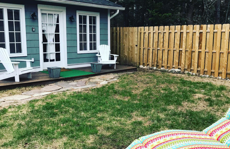 Yard at GO-Cottage.
